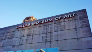 A photo of the Dallas Museum of Art .