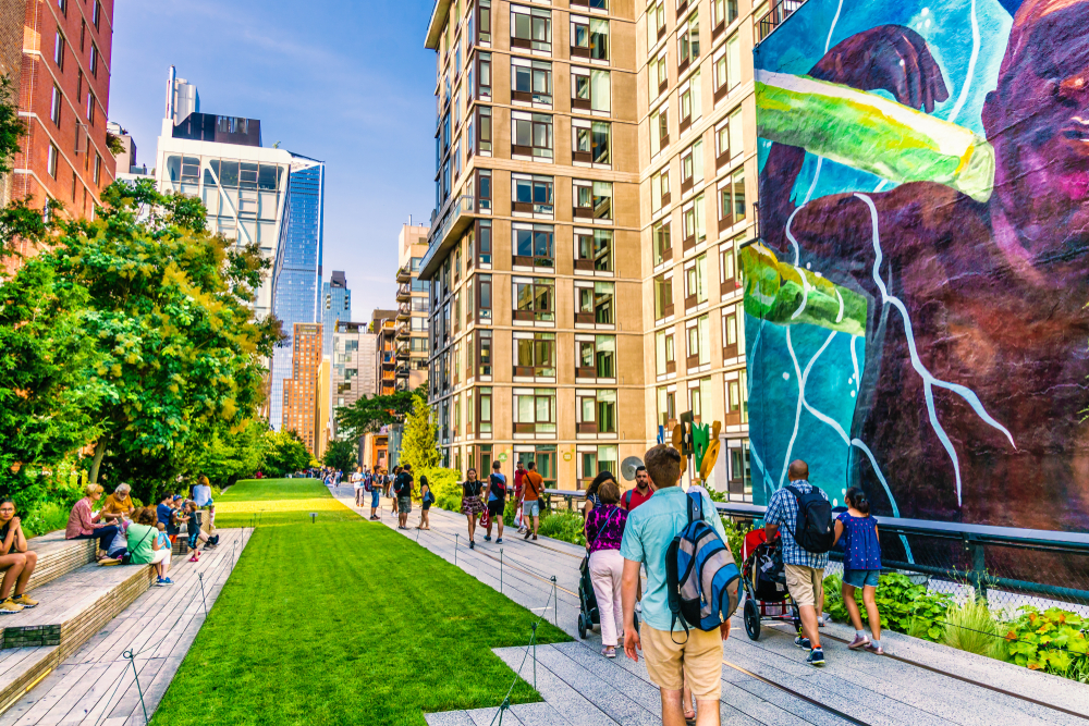 New York Art Installations Explore the Realm of Public Spaces