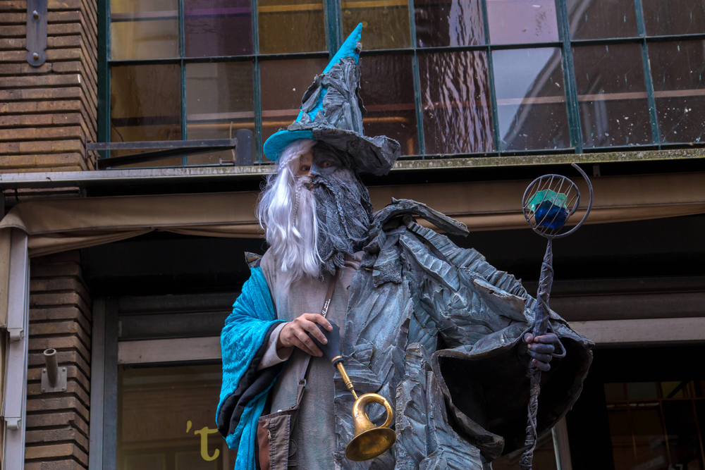 A photo of a man dressed up as a wizard for the 2017 International Living Statues Festival.